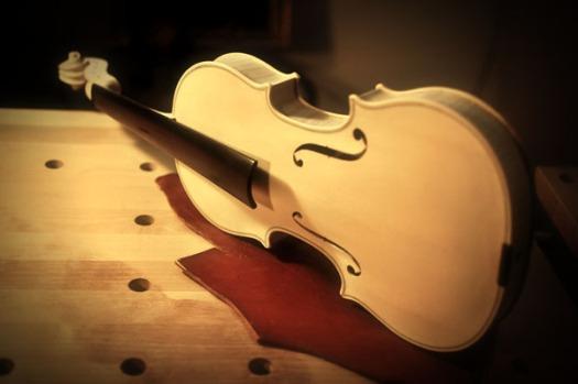 ヴァイオリン横置き/前面