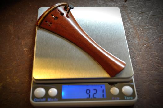 ペルナンブーコのテールピースの重量:9.21g