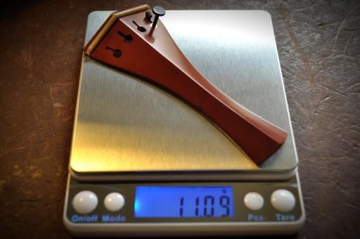 ボックスウッドのテールピースの重量:11.09g