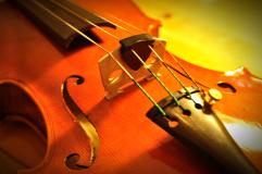 音量を抑えつけることなく、楽器の響きを残した状態で弱音されます